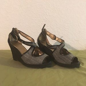 Circa Joan & David Deluxe Open Toe Wedges, Size 6M